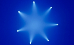 "Ann Veronica Janssens, ""Bluette"" (2006)."